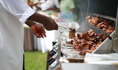 Der Trend für die Outdoor-Saison 2018: Grillen und BBQ